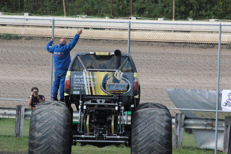 Monster truck photos pittsburgh motor speedway for Motor truck of pa