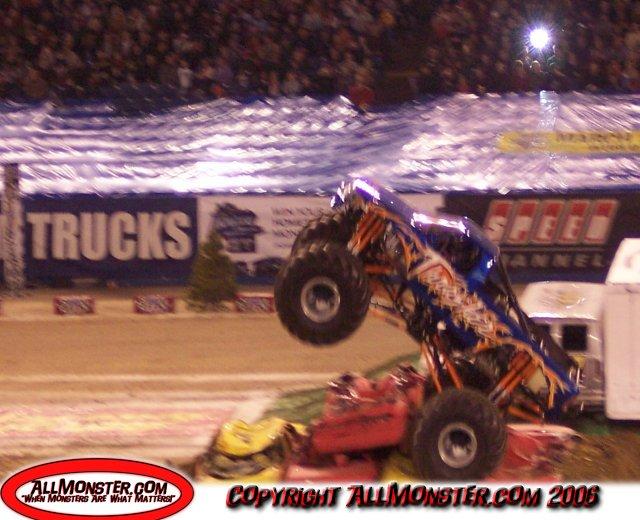 Pontiac, Michigan - Monster Jam - January 7, 2006 ...